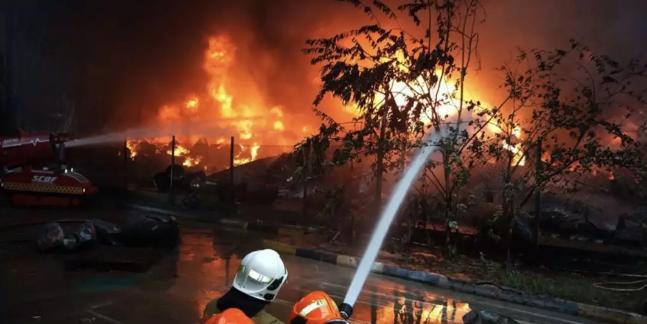 新加坡火势3.png